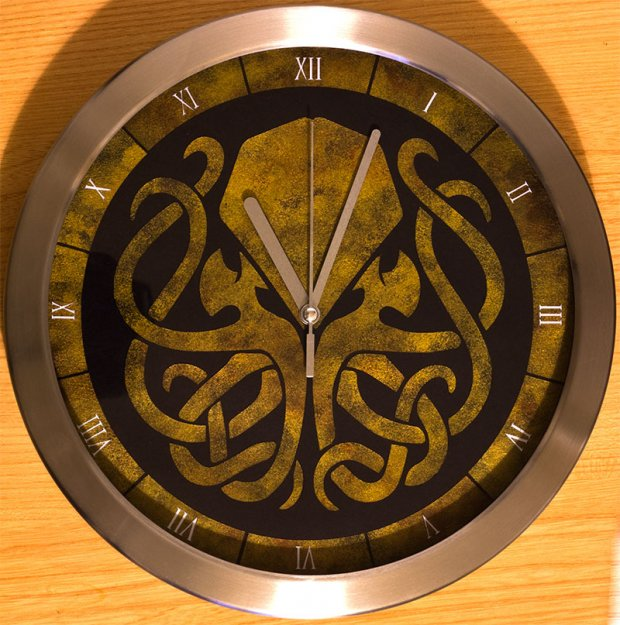 Time for some Lovecraft: Cthulhu Clock